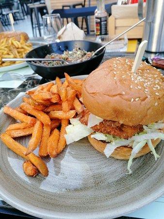 Τρομερο burger