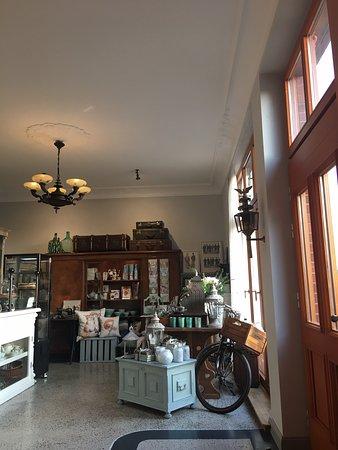 Biesenthal, Germany: Sehr liebenswertes Café. Kuchen sind selbstgemacht und richtig lecker.  Es hat alles gepasst: Deko, Stil, Service, Kuchen... Es ist ein Besuch auf jeden Fall wert.