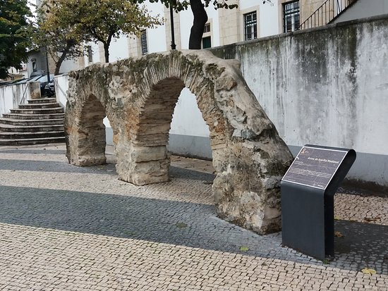 Arcos De Azenha Medieval