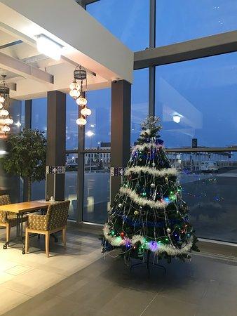 Simferopol International Airport: Начинаем создавать атмосферу праздника))