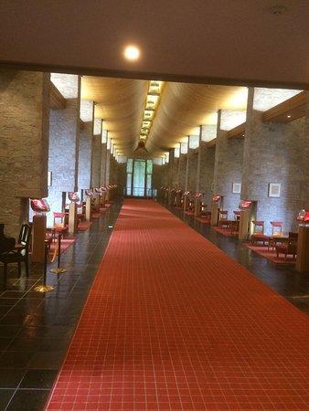 un long couloir d'accès