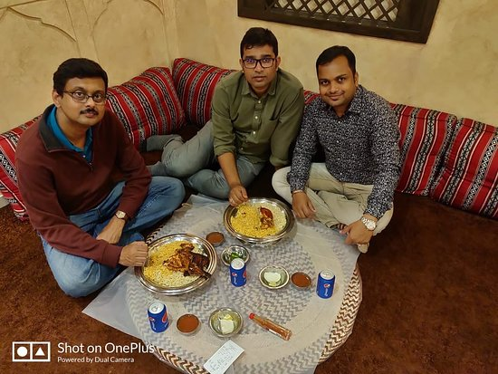 Mohammed Noor: Authentic Arabian food at reasonable cost. very service by the staffs.