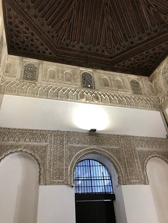 Tour of Alcazar Palace with Voyager Seville Experience