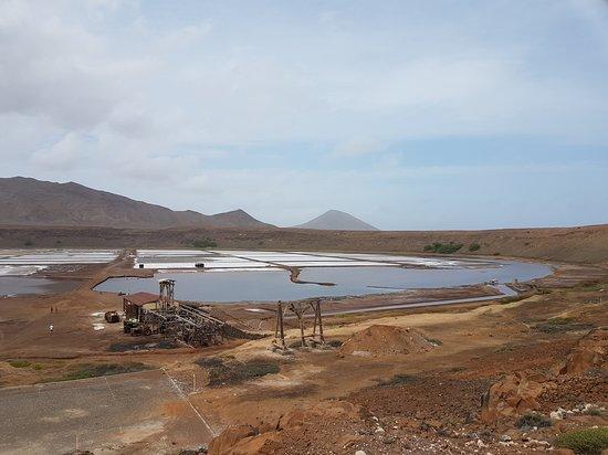 Pedra de Lume, Cape Verde: Widok na krater, kopalnię soli i jezioro.