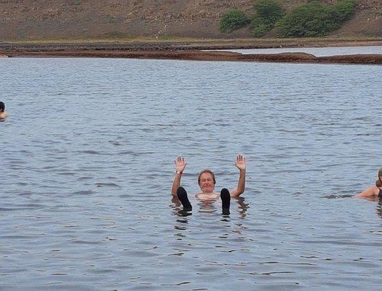 Pedra de Lume, Cape Verde: Unoszenie się na powierzchni wody - miłe uczucie :)
