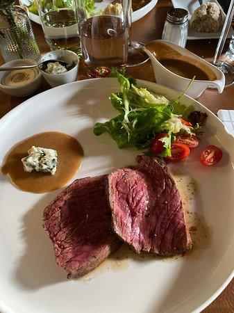 Deurle, Belgium: Chateaubriand blue-chaud gebakken met Roquefort saus