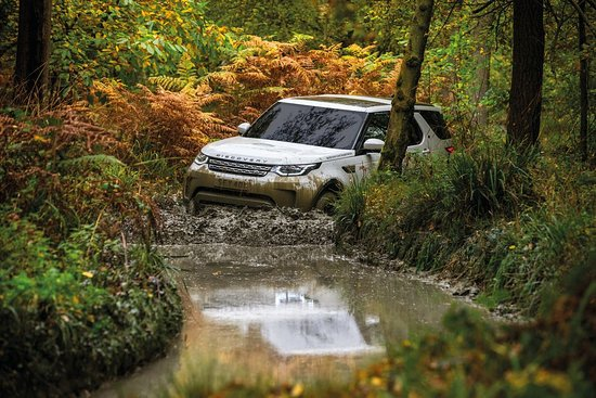 Ledbury, UK: Off road driving in a Land Rover Discovery