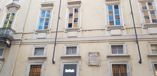 Palazzo Cavour