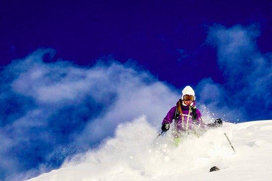 Your ski instructor ski off piste on Glacier de Toule. Perfect snow, lovely sky, ggod friends ! What else ;-)