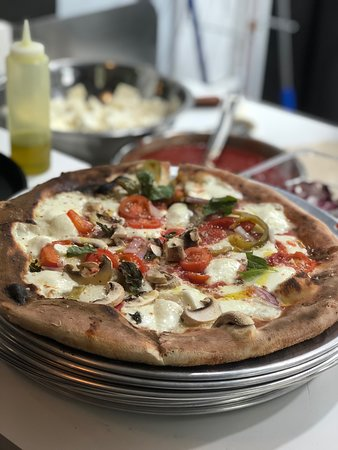 The best thin crust pizza!