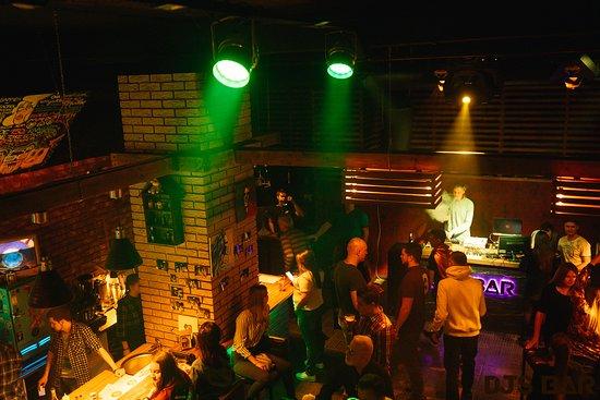 Dj's Bar