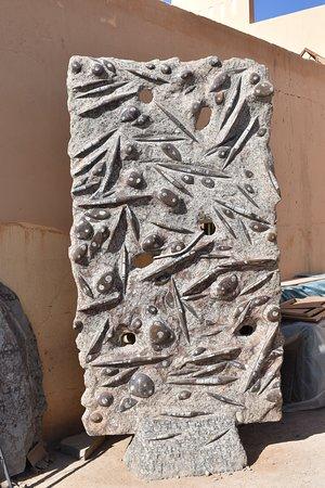 ארפוד, מרוקו: This contains more orthoceras and some ammorites. 