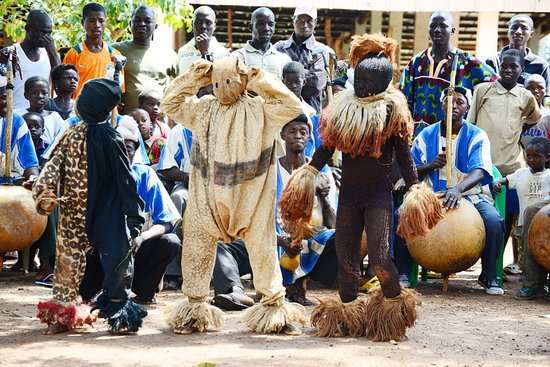 Senang Festival in Ivory Coast (Korhogo) from September 31 to October 14, 2020 / with Hogon-tours voyage The Senoufo area, which extends from Côte d'Ivoire to Mali, via Burkina Faso and Ghana, is full of cultural potential. But this cultural potential is plagued by many threats of disappearance. The Senang Cultural Festival which appears as a response to the need to safeguard the culture and cultural heritage Senoufo, and its valuation For more information contact us hogontours@hogontours.net