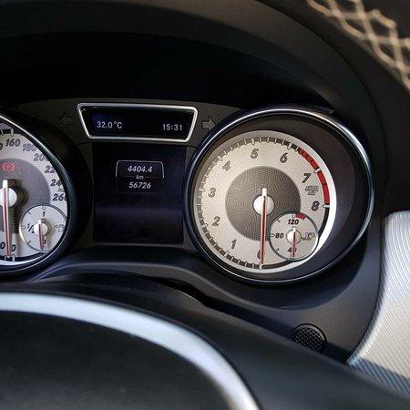 Valezan, Франция: Mercedes CLA 180, 1.6L 4cyl. inj. directe turbo, ess, manuel, noir, clim, jantes alu, carnet d'entretien à jour , état neuf , 8750€ à négocier légèrement. Pour plus d'information : cas.lombardi2015@gmail.com.
