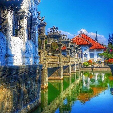 taman ujung water palace,