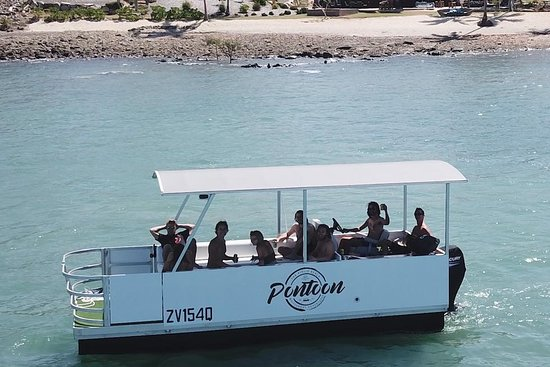 Airlie Beach BBQ Party boat hire