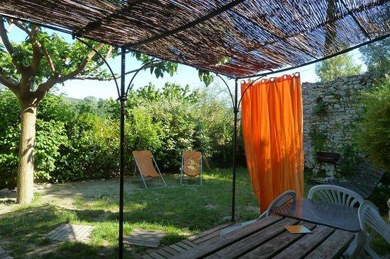 "Beaufort-sur-Gervanne, France: Jardin gîte ""Circaète"""