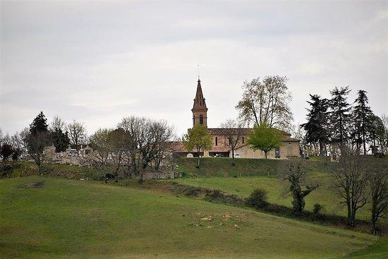 PUYGAILLARD en Quercy en 82-Tarn et Garonne petite commune toute en longueur et haut perché près de la forêt de Grésignes du Tarn. La DREB a visite cette commune très bien entretenue le 27 mai 2019 voir la vidéo et plus de renseignements à la page du blog http://dreb.eklablog.com/puygaillard-de-quercy-gallery224750