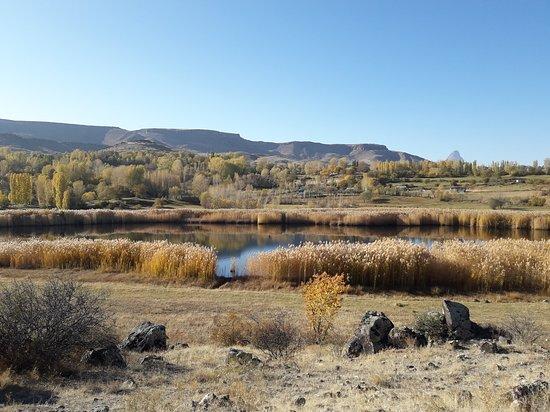 Iğdır /tuzluca ilçesinde üçkaya köyünde bulununan güzel bir göl