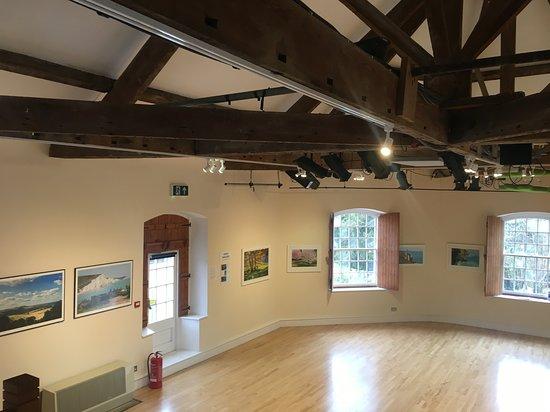 Uley, UK: Prema Upstairs gallery