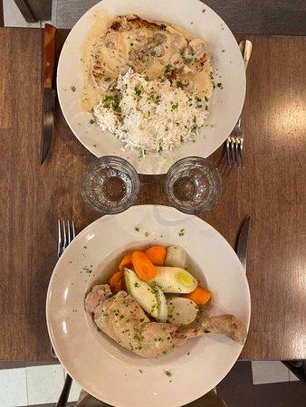 poule au pot ou escalope de veau à la crème et champignons #cafehoteldieu