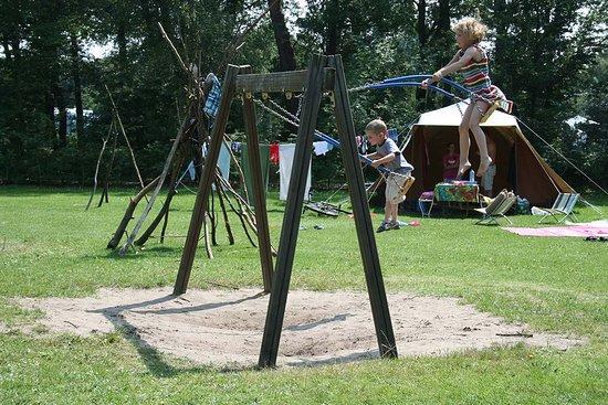 Lemele, Nederland: Speelgelegenheid op de kampeervelden