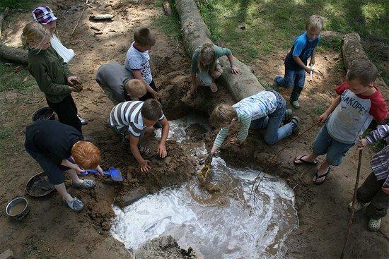 Lemele, Nederland: Ravotten in de modder