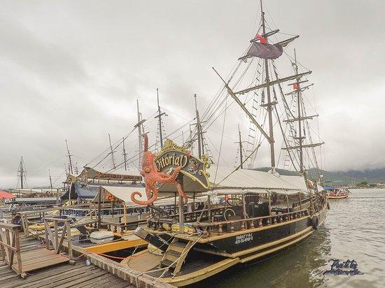 Paquete de Tours Especiales - Schooner Tour + Jeep Tour en Paraty: De nombreux bateaux proposent une expédition en mer