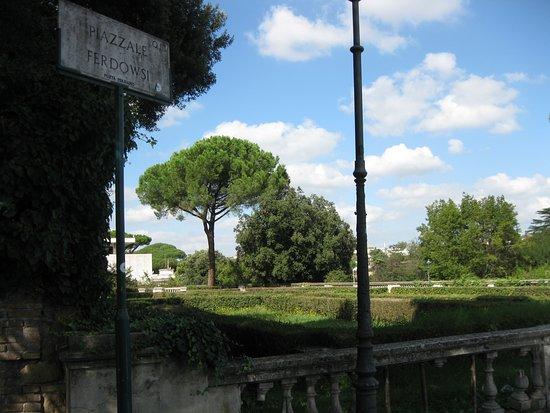 Piazzale Ferdowsi