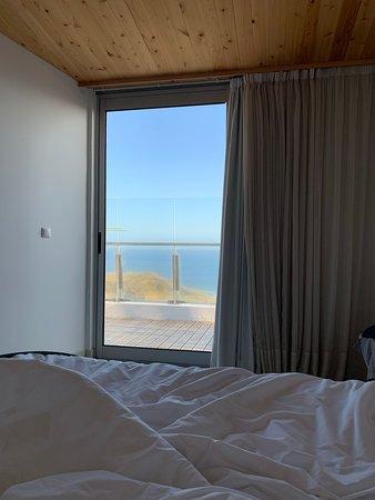Sao Vicente Ferreira, Bồ Đào Nha: Bedroom with door to private balcony
