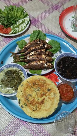 Riau Islands Province, Indonesia: Example of local dishes. They must have seafood, and chili.. Bet you want to try this exotic food