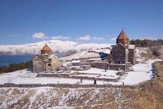 Besök Sevan-sjön i Armenien från ...