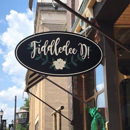 Fiddledee D