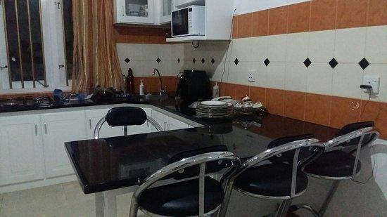 Ragama, Spain: Kitchen experience @ white house orange hill avenue