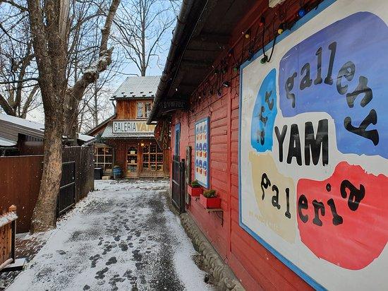 Art Gallery Yam