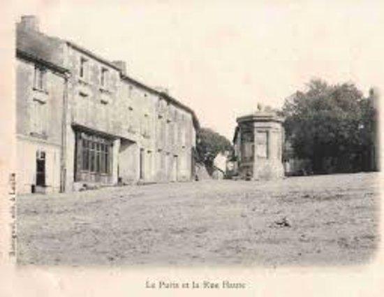"""Fontaine de 1848 dite """" de la Pompe"""""""