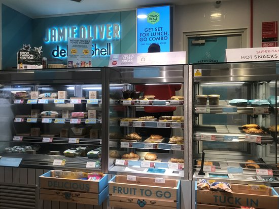 Llansanffraid Glan Conwy, UK: Jamie Oliver Deli by Shell, Black Cat Roundabout