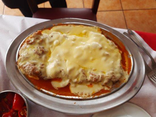 Magic Chicken Restaurante: 1/2 FILE A PARMEGIANA... SUFICIENTE PARA ATÉ 2 PESSOAS ...