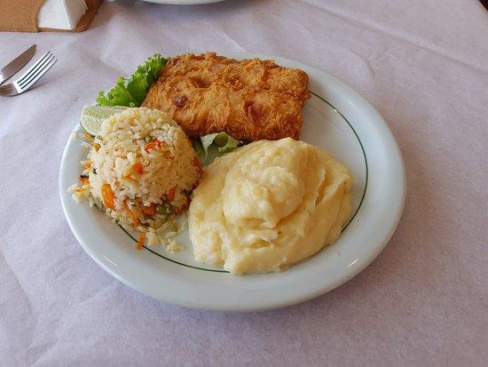 Magic Chicken Restaurante: FILE DE PESCADA  - PRATO EXECUTIVO