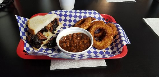 Edwardsville, KS: Burnt end sandwich with rings and beans