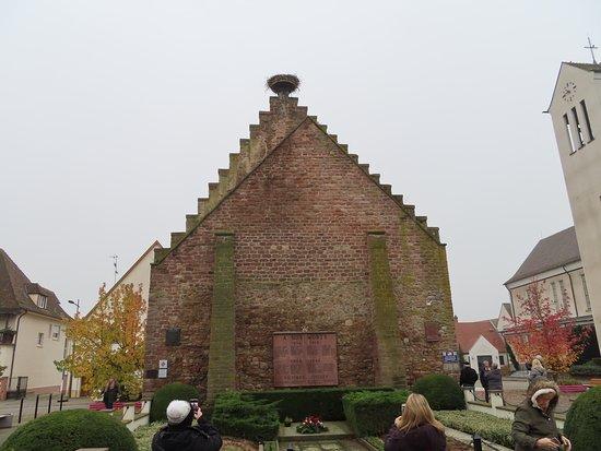 Memorial with stork nest