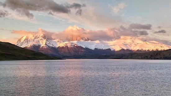 טורס דל פיינה, צ'ילה: Amanacer Laguna azul / Sun Rise Blue lagoon