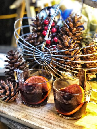 These days, Hanoi is getting so cold, enjoy a cup of Mulled wine while having your Nails done, and feel Christmas! Why not? Nail Kitchen - 15 Au Trieu, Hang Trong, Hoan Kiem.