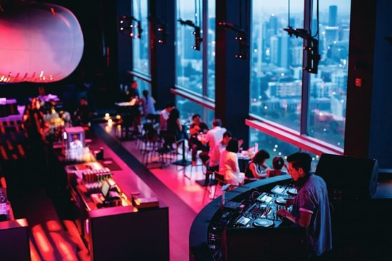 Perched on the 71st floor of Swissôtel, take in an unobstructed view of the Marina Bay skyline with exciting themed nights, and the hottest hits from the region's most coveted DJs. 📍 : Bar Rouge 📷 : @barrougesingapore