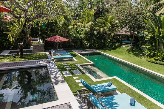 Belalang, Indonesia: Stunning and tranquil garden pool
