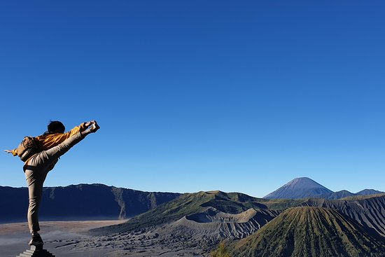 Happy Volcano Bromo, Semeru, Ijen Tour and Trekking