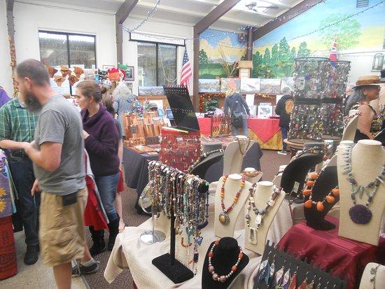 lots of vendors