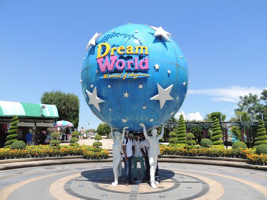 Dream World Bangkok: On the entrance