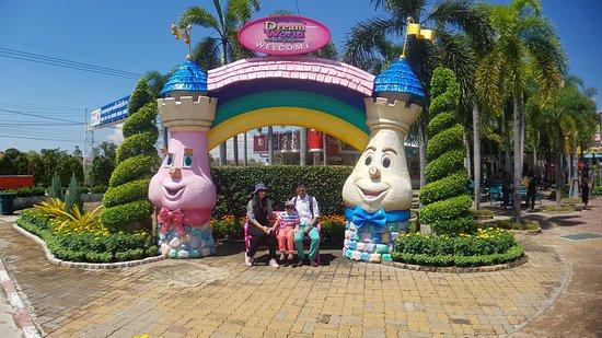 Dream World Bangkok: With the family