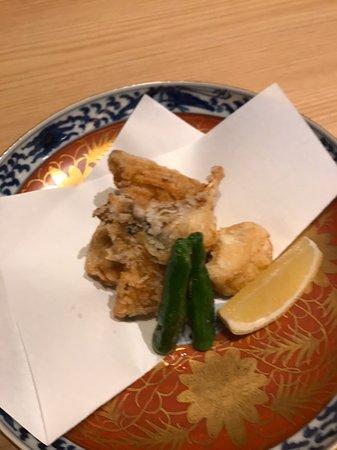 竹葉亭南御堂店、12月の一品料理です。 河豚、鰤、鶏などの入った寄せ鍋や海老芋の蟹味あんかけなど美味しそうな料理がいっぱいです😊❗️